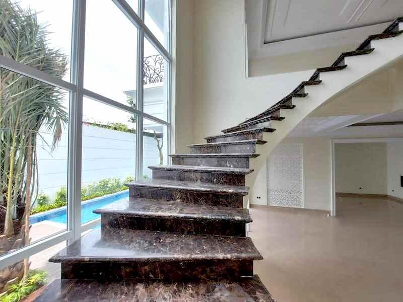 Rumah Mewah Pondok Indah Dengan Desain Modern Classic