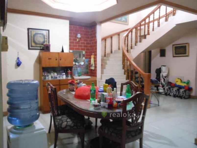 Dijual Cepat Rumah Besar Dua Lantai Di Matraman Utan Kayu ...